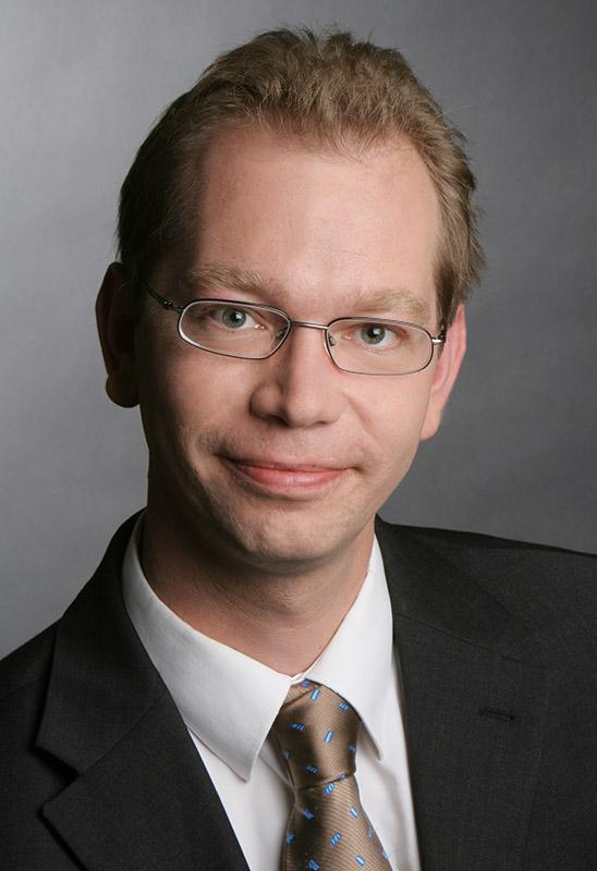 Dr. Oliver Schmidt